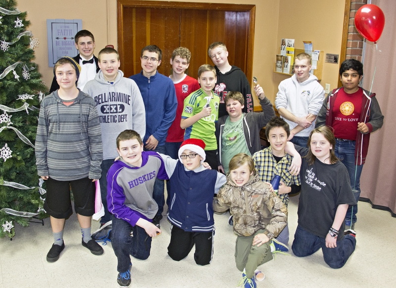 2015-12-14 scouts Holiday party 6237